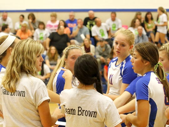Edison volleyball players on Lymphoma Awareness Night for Zack Brown in September.