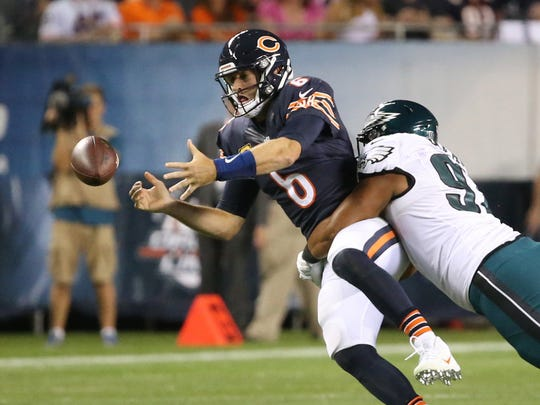 Chicago Bears quarterback Jay Cutler (6) is sacked