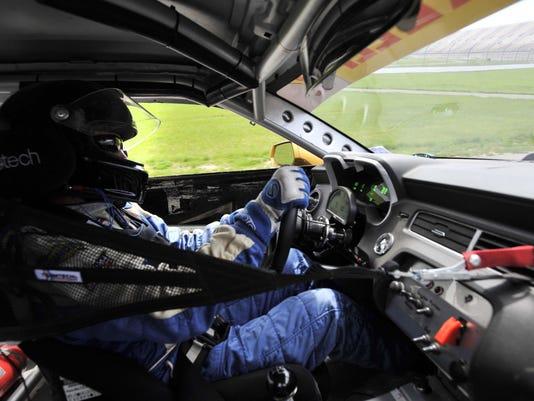 Racing_incar