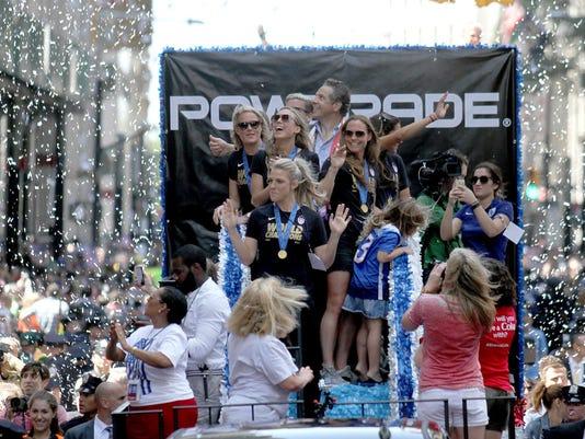ASB 0711 USWNT Parade