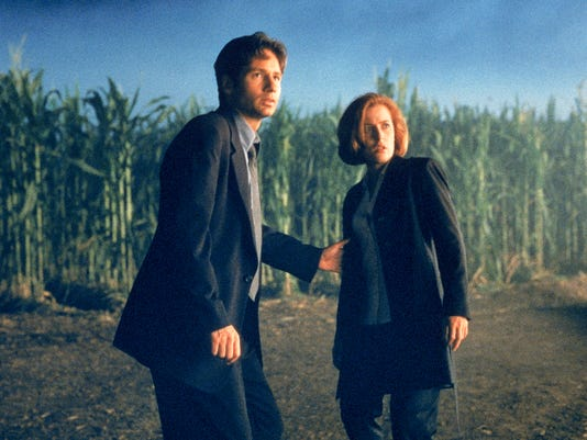 Cornfield_Texas_Mulder_Scully_Fight_the_Future.jpg