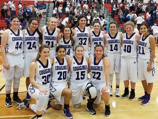 Mason High School girls basketball team from 2018