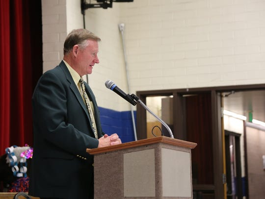 Sen. Evan Vickers spoke to Washington Elementary School students Dec. 16, 2016 about the benefits of a Utah Educational Savings Plan. Vickers co-sponsored a bill with Rep. Jon Stanard in the 2016 legislative session that recognizes the significance of college savings.