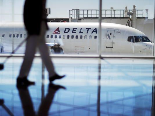 AP APTOPIX AIRLINES-FREE SNACKS F A USA GA