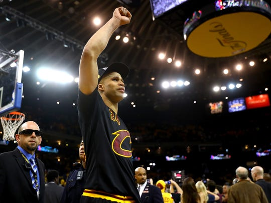 Richard Jefferson celebrates after defeating the Golden
