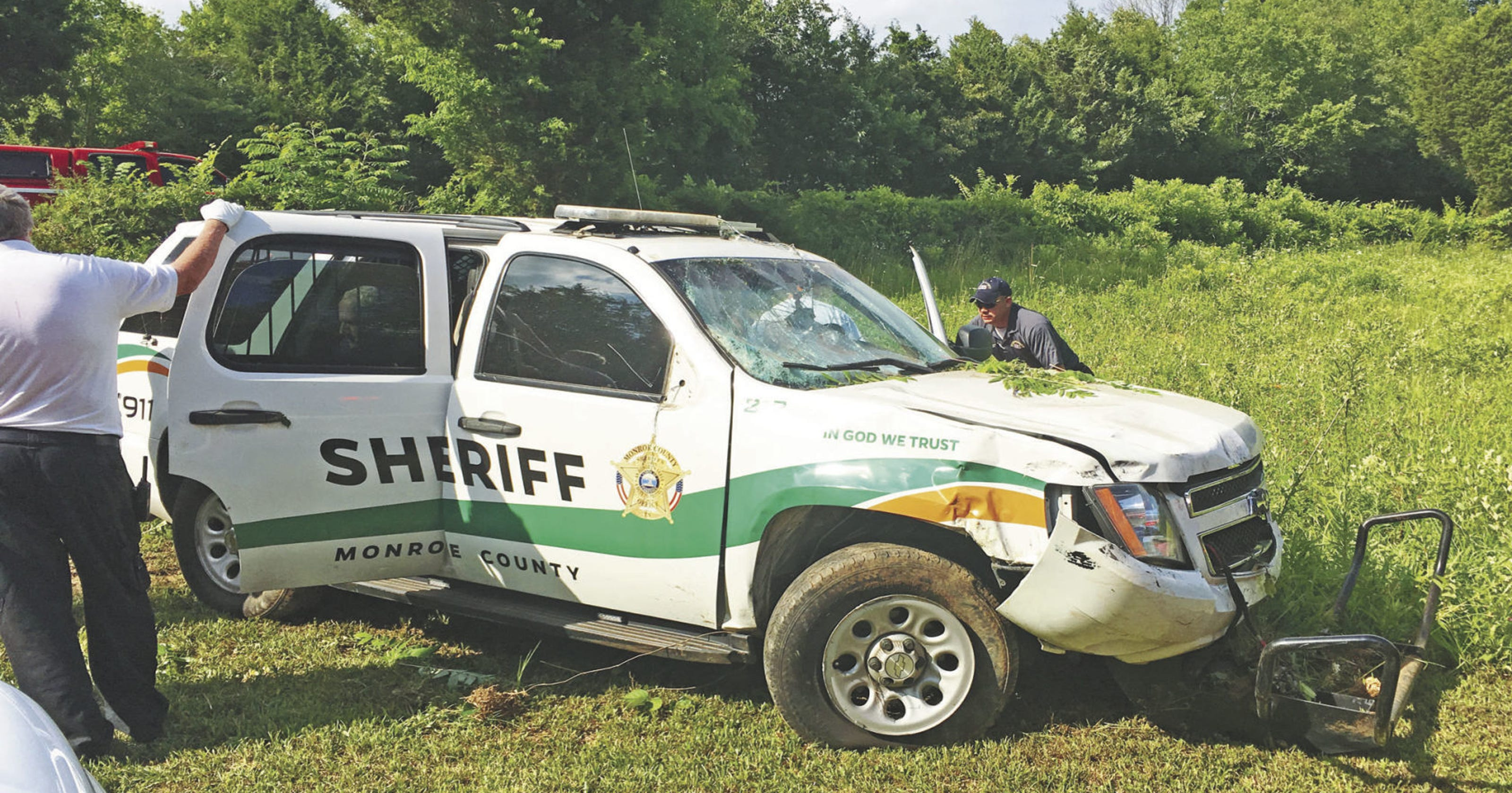 Tennessee reserve deputy chokes on Tums, crashes SUV with