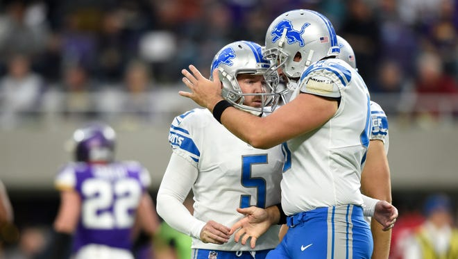 Matt Prater (5) celebrates with teammates after kicking a field goal in the second quarter against the Vikings on Sunday, Oct, 1, 2017 at U.S. Bank Stadium in Minneapolis.