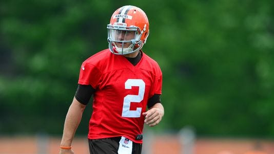 Cleveland Browns quarterback Johnny Manziel (2) during minicamp at Browns training facility.