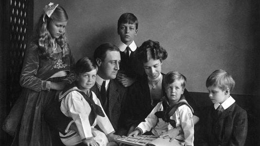 Franklin and Eleanor Roosevelt, and their children.