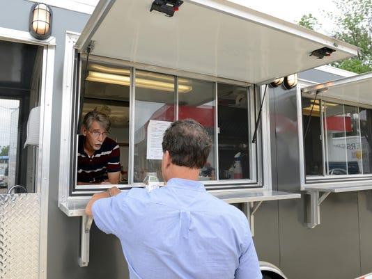 01 zan 0709 food truck