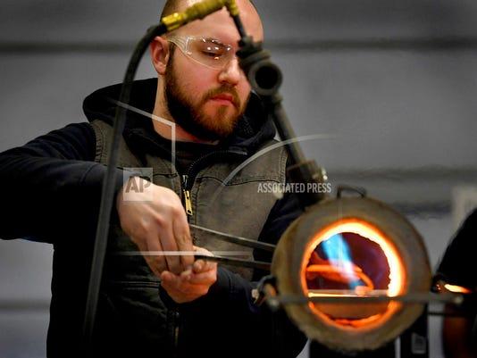 636533640294347946-blacksmithing-photo.jpg