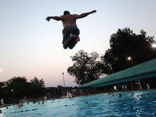 -Pool.06.JPG_20130831.jpg