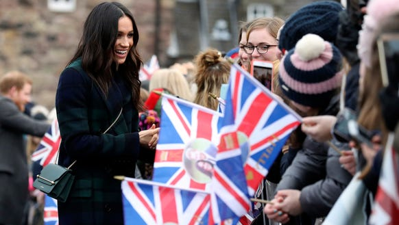 Meghan Markle mixes with her Scottish admirers.