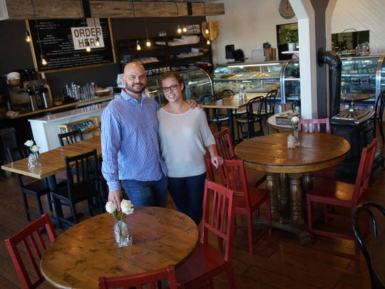 Alex and Gretchen Sianni at their now-closed Talleyville location