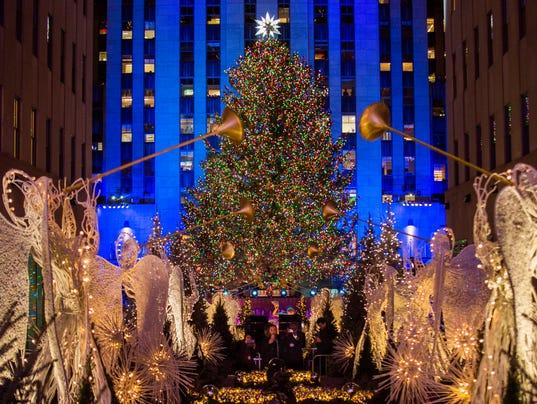 AP APTOPIX ROCKEFELLER CENTER CHRISTMAS TREE A ENT USA NY