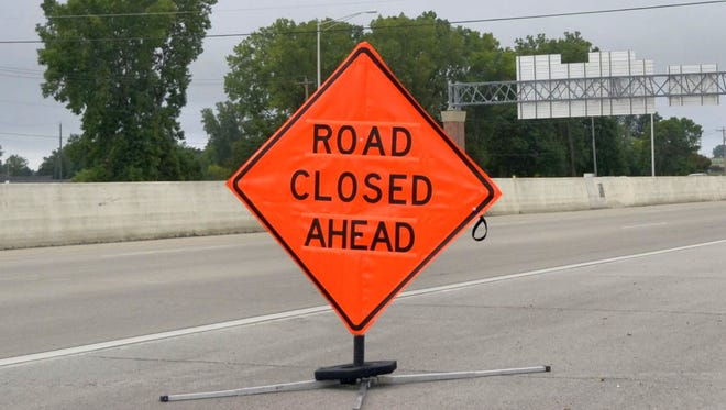A highway sign on Interstate 41 in De Pere alerts motorists' traveling southbound of a highway closure at he Scheuring Road exit on Sunday morning, Aug. 28, 2016. The southbound lanes of the interstate were closed for several hours until shortly before 8 a.m. because of a crash between Scheuring Road and Freedom Road/Brown County S in the Town of Lawrence.