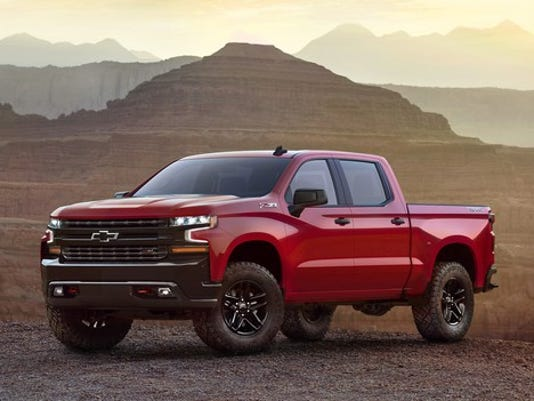 2019-chevrolet-silverado-001-cropped_large.jpg