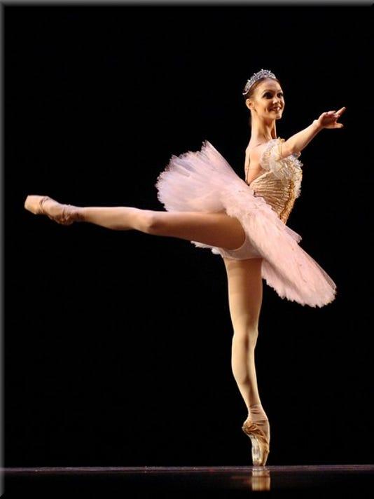 -0530hat_ballet3.jpg_20100525.jpg