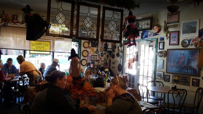 The Sunshine Garden Cafe is closing its door after 29 years in business.