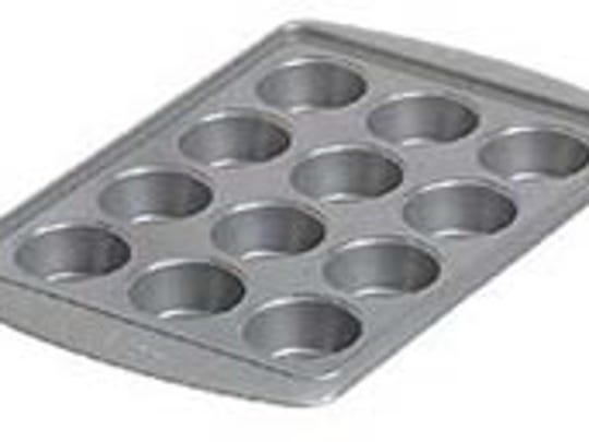 Avanti Everglide nonstick cupcake pan