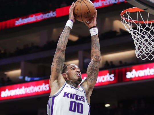 Kings center Willie Cauley-Stein drives to the basket against the 76ers on Thursday.