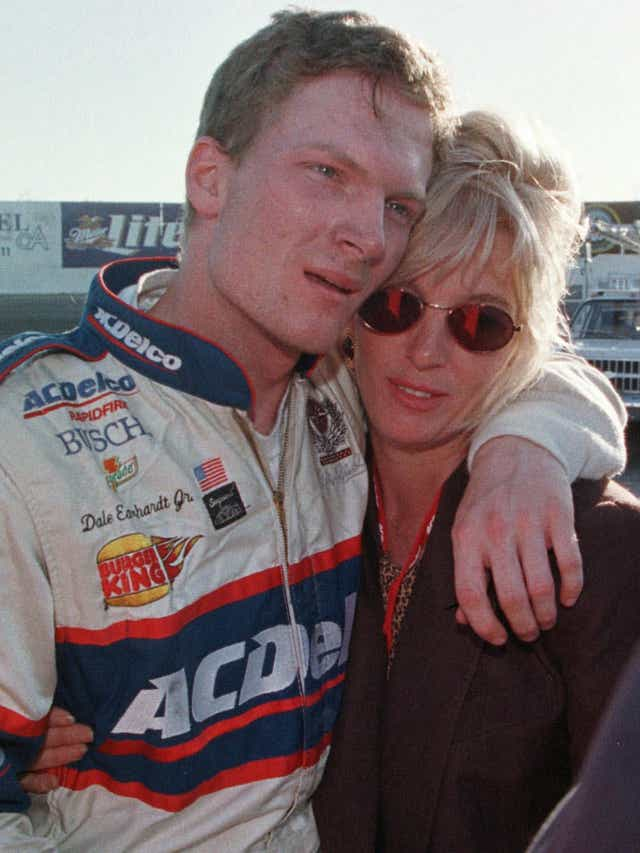 Teresa Earnhardt Husband Now : Dei under teresa's control celebrates dale earnhardt day, which is appointed on the 29th of april, dale's.