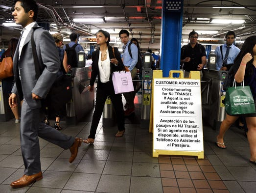 how to travel from jfk to penn station