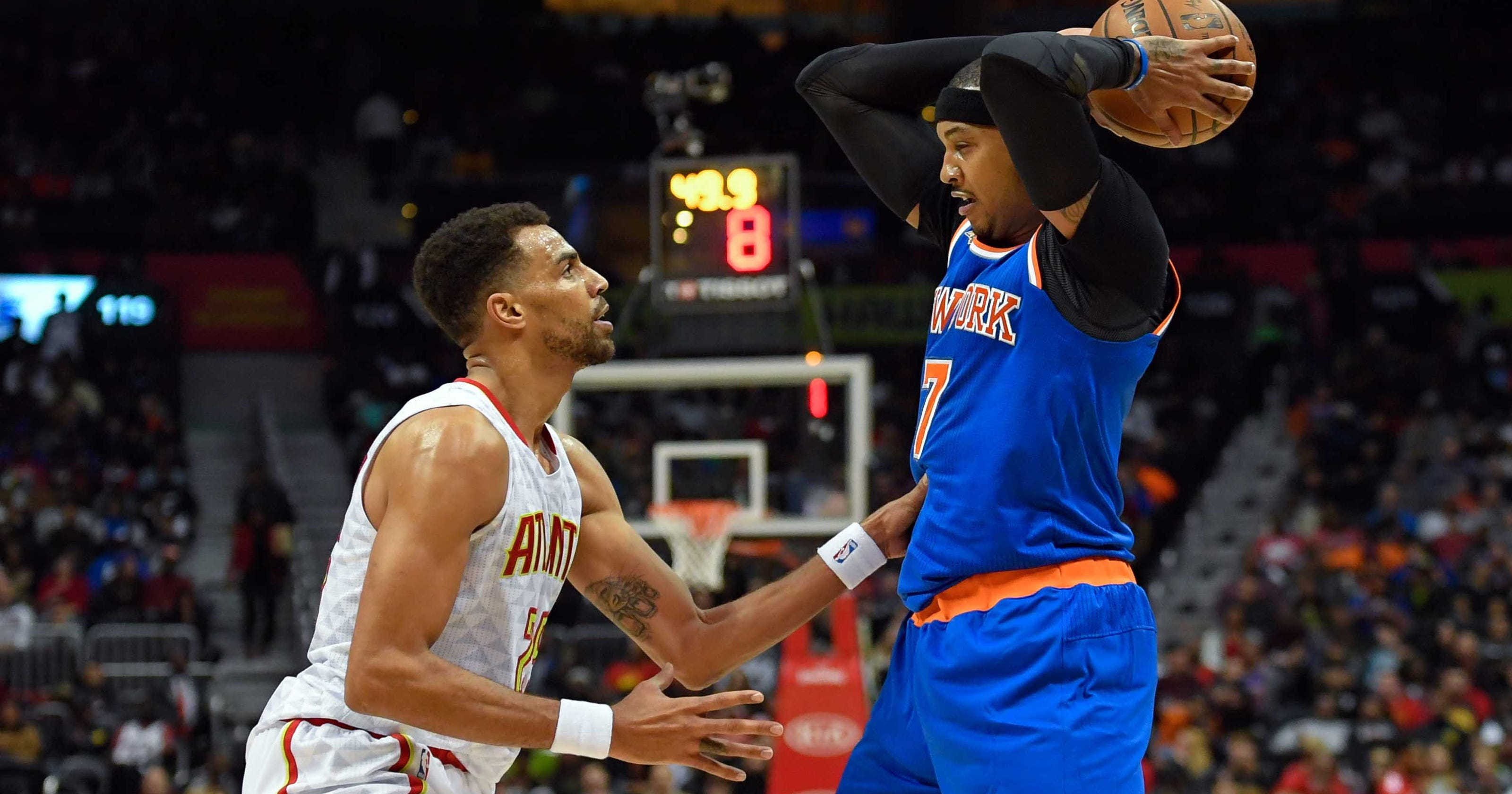 aa632e3cac34 Knicks  Carmelo Anthony ejected for hitting Hawks player in the face