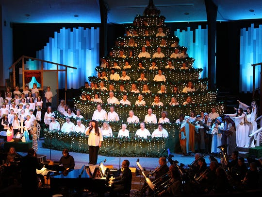 Music by the 100-voice adult and youth choirs, 50-voice King's Kids Choir, Handbell Choir and 35-member orchestra as well as dramatic presentations make up Peoples Church Singing Christmas tree annual tradition.