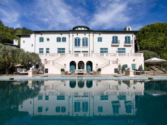 Robin William's Napa, California, winery, previously priced at $35 million, is now priced at $25.9 million.