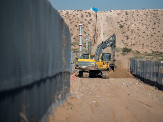 replacement of the US.-Mexico border fence