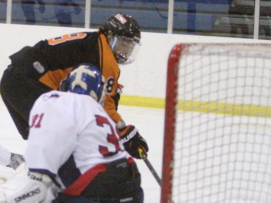 BHS-Liv hockey_01.jpg