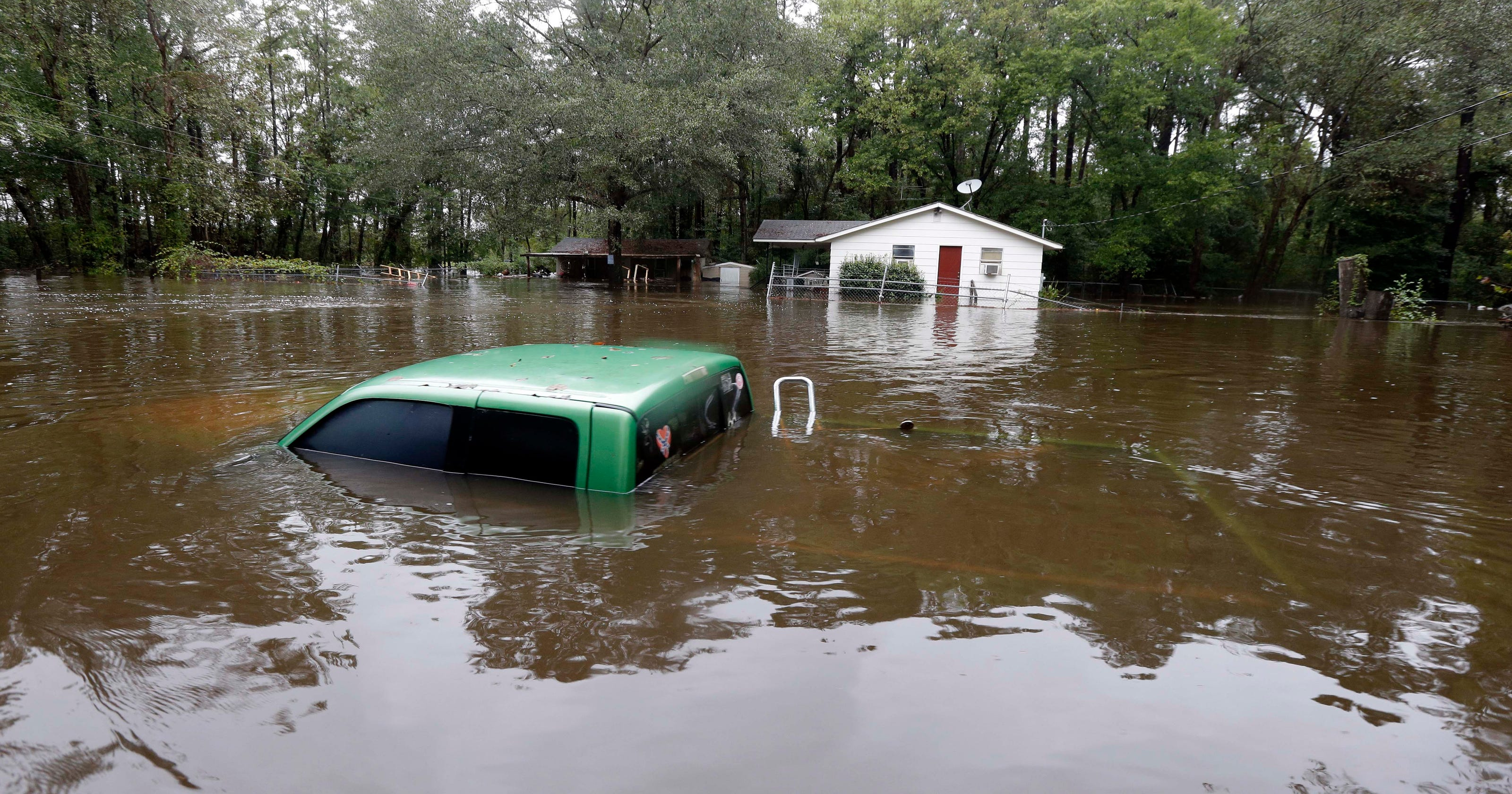 Death Toll Rises To 10 In Unrelenting Sc Storm