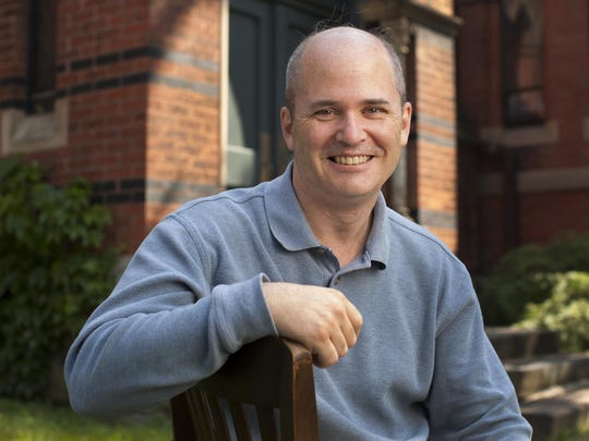 Robert Isaacs will lead the Cornell University Glee Club in concert Saturday.