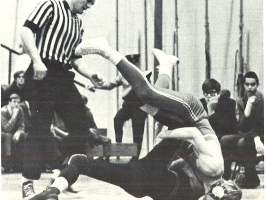 """Lincoln matmen """"use their heads"""" when it comes to overpowering"""