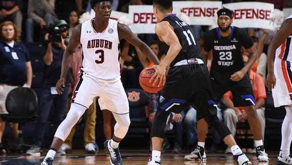 Auburn forward Danjel Purifoy with 19 points in a 83-65