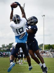 Titans wide receiver Tajae Sharpe (19) pulls down a
