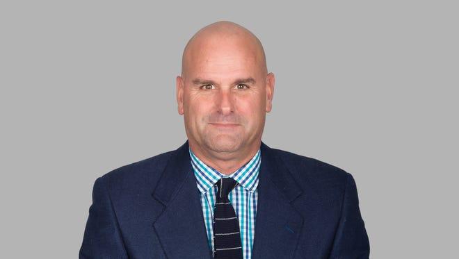 USC Co-defensive Coordinator Jon Hoke had Jordan Diggs and T.J. Gurley swap positions in USC's first spring scrimmage.