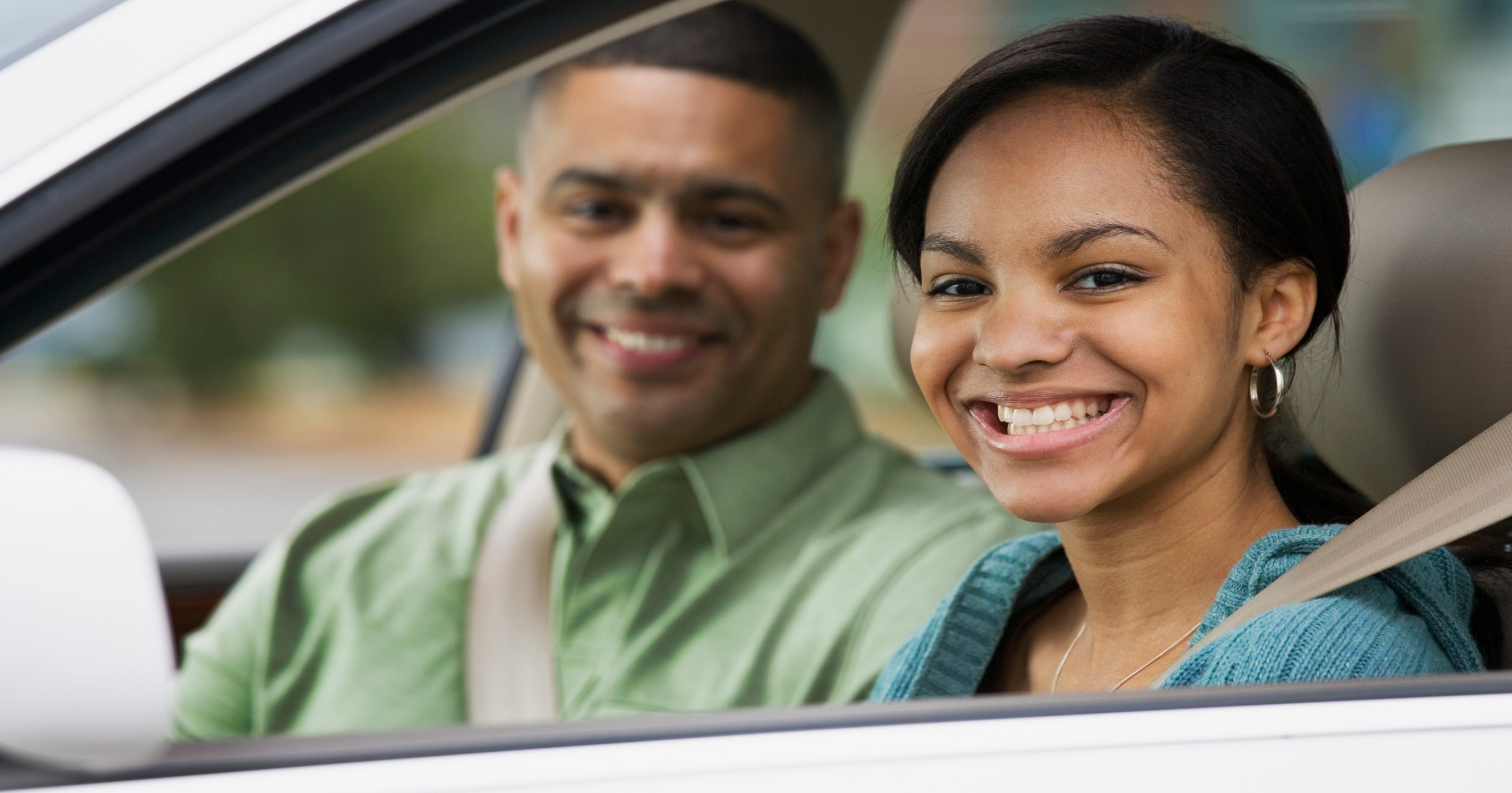 Teen Driving Apps >> Studies: Parents set bad examples for driving teens