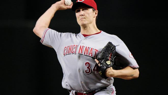 Cincinnati Reds starting pitcher Homer Bailey (34) throws during the first inning against the Arizona Diamondbacks at Chase Field.
