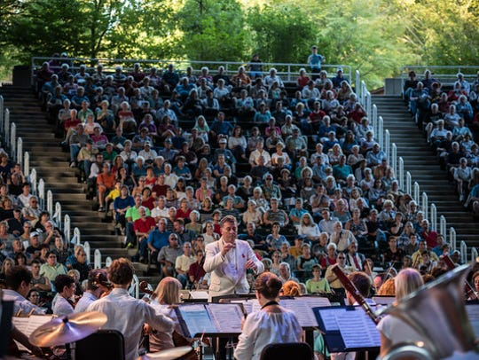 Alfred Savia directs the Evansville Philharmonic Orchestra