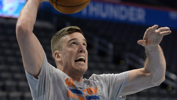 Knicks center Marshall Plumlee (40) warms up prior