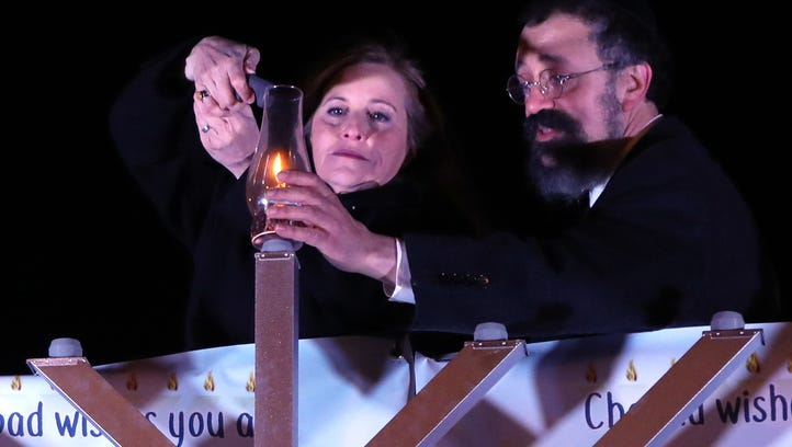Mayor Megan Barry and Rabbi Yitzchok Tiechtel from
