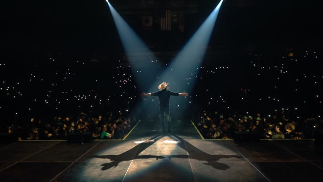 Country artist Justin Moore will perform at the Denny Sanford Premier Center on Saturday.