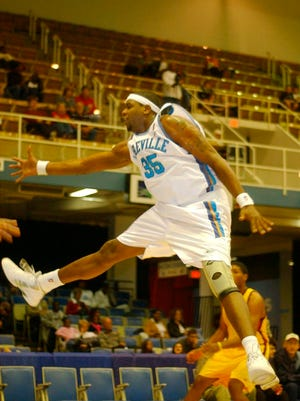 Winning basketball and lots of empty seats were part of the Asheville Altitude's legacy as an NBDL team from 2001-2005.