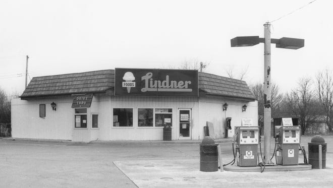 A Lindner store at 3002 N. Franklin Rd. in 1992.