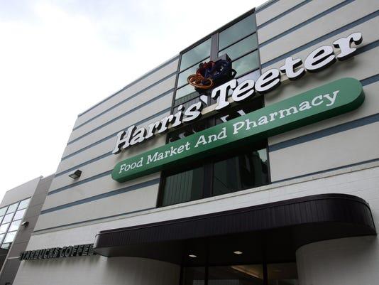 Harris Teeter opens its doors
