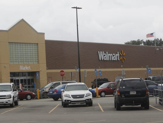 Have some errands today, July 4, (07/04/)? Need to pick up a fan to cool off or grab some sunscreen or earplugs from the pharmacy to deal with the fireworks? Well, Walmart is open on the.