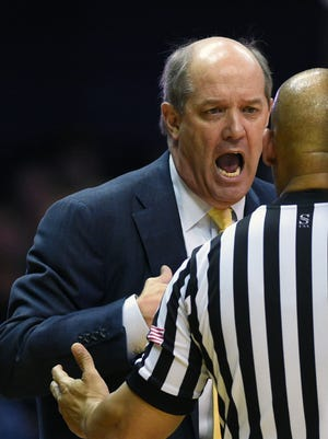 Vanderbilt coach Kevin Stallings and the Commodores are 0-3 in SEC play heading into Tuesday's game versus Auburn.
