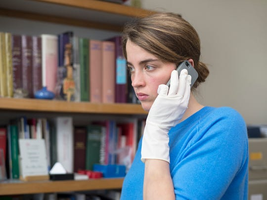 Adèle Haenel portrays a high-achieving, altruistic woman tormented by her own flaws.